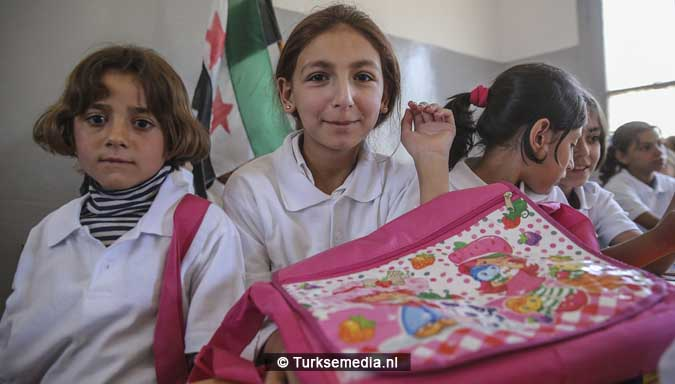 trots-en-vreugde-turkse-gemeente-tovert-school-in-syrie-om-tot-modern-college-3