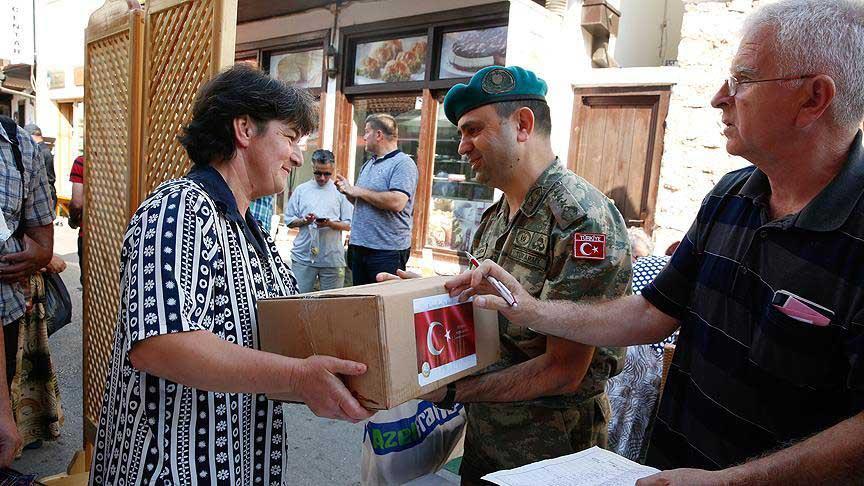 turken-helpen-miljoenen-mensen-over-de-hele-wereld-tijdens-offerfeest-3-2