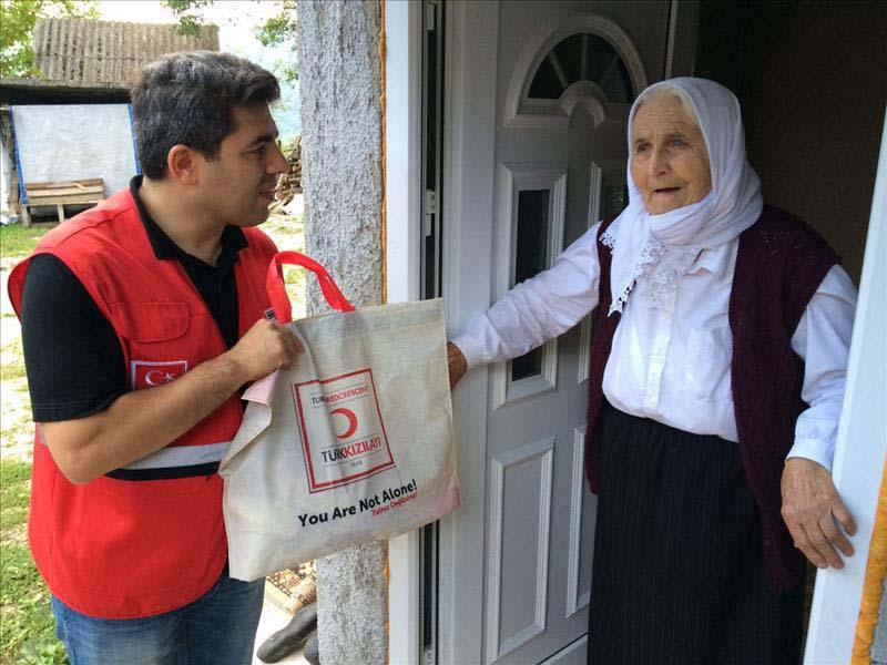 turken-helpen-miljoenen-mensen-over-de-hele-wereld-tijdens-offerfeest-3