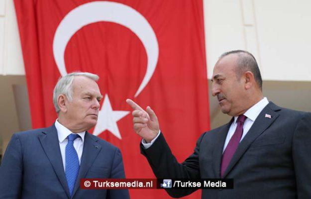 Bemoeiende Franse minister krijgt lesje van Turkse collega