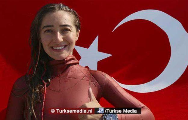 Turkse duikster breekt opnieuw wereldrecord