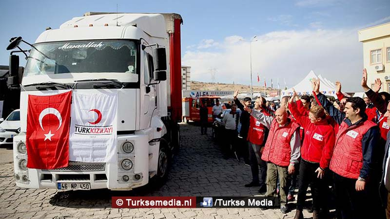 barmhartige-turkije-in-150-landen-helpende-hand-slachtoffers