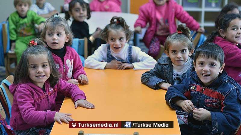 syrische-kinderen-erg-blij-in-turkije