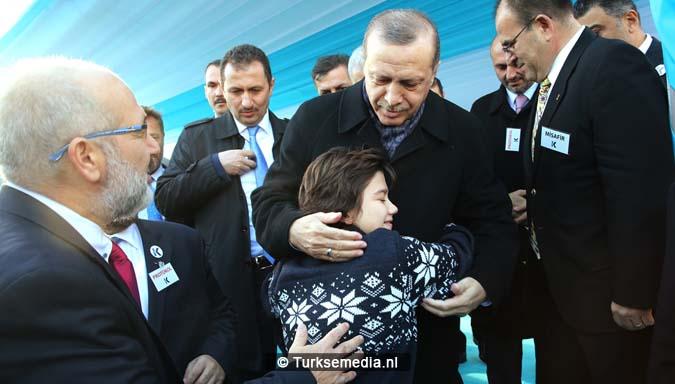 turkije-bouwt-grootste-stroomschepen-ter-wereld-voor-hulp-1
