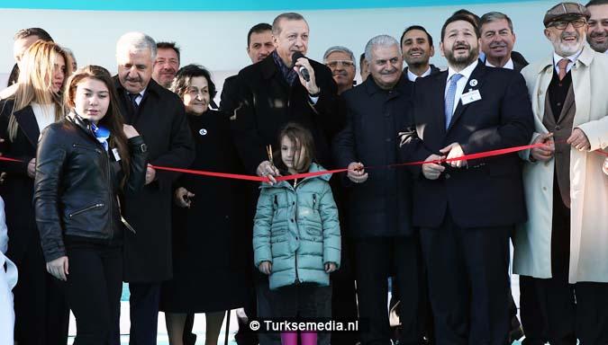 turkije-bouwt-grootste-stroomschepen-ter-wereld-voor-hulp-3