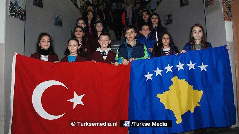 turkije-helpt-kosovo-en-opent-school-voor-albanese-kinderen