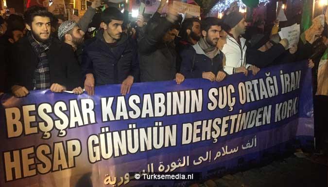 protest-duizenden-turken-tegen-assad-en-iran-vrees-alvast-voor-dag-des-oordeels-2
