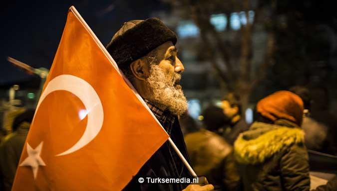 protest-duizenden-turken-tegen-assad-en-iran-vrees-alvast-voor-dag-des-oordeels-3