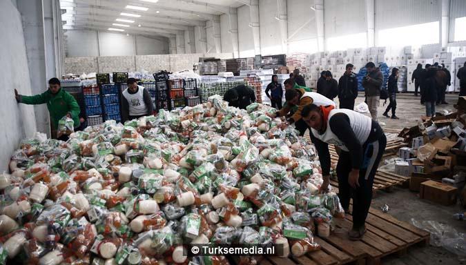 turken-massaal-naar-grens-syrie-voor-hulp-aleppo-11