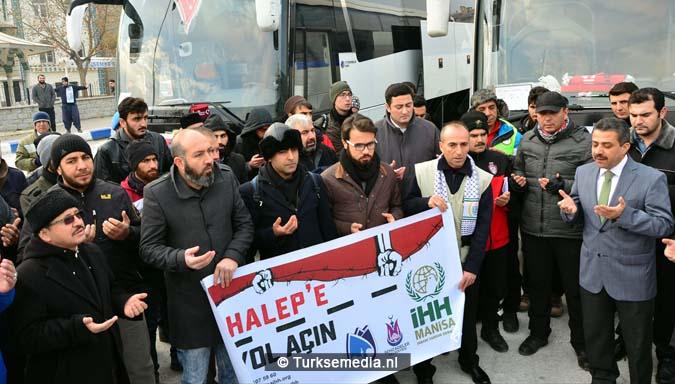 turken-massaal-naar-grens-syrie-voor-hulp-aleppo-7