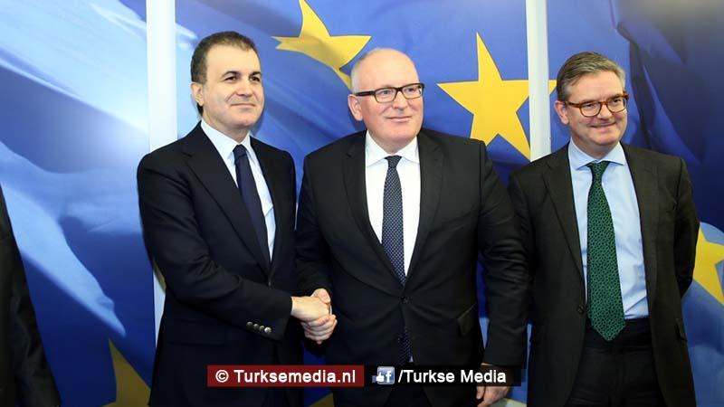 turkse-minister-leest-europa-de-les-in-brussel