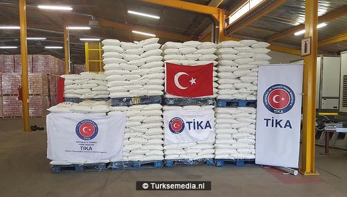 turkije-stuurt-35-ton-voedsel-naar-afrikaanse-kinderen-2