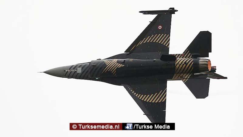 Turkse piloten breken historisch record met F-16 (VIDEO)