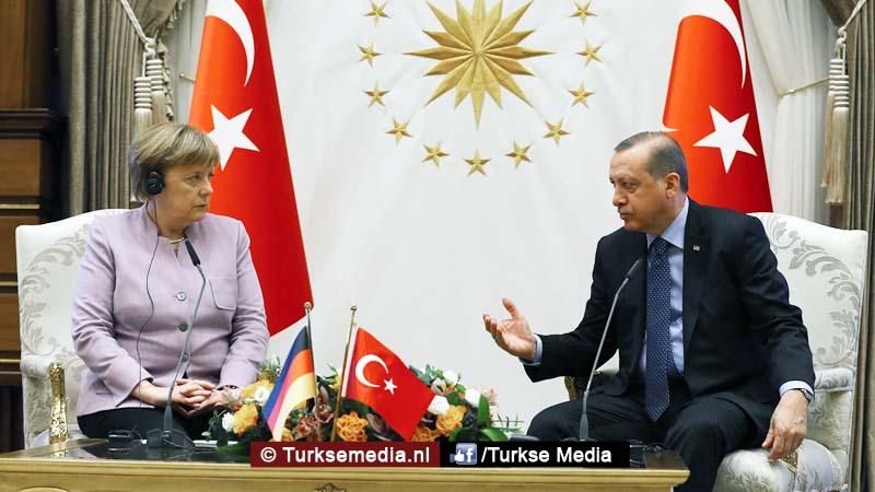 Erdoğan corrigeert Merkel namens moslims Zeg dat niet