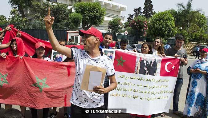 Kippenvel zo steunden Marokkanen Turkije tijdens couppoging2