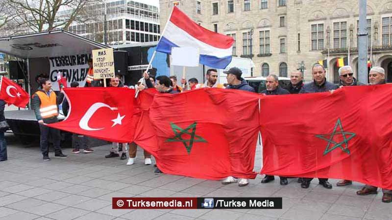Kippenvel zo steunden Marokkanen Turkije tijdens couppoging21