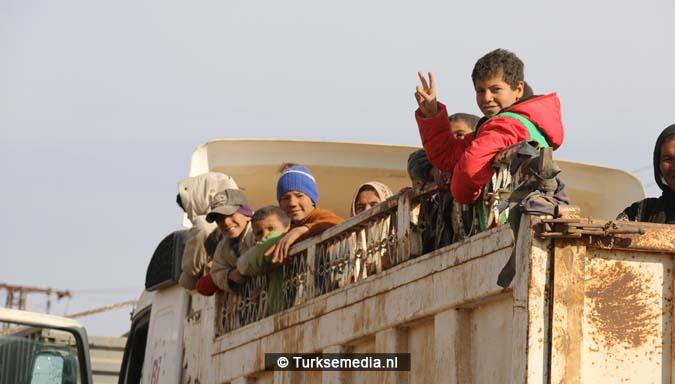 Syriërs bedanken Turkije en Erdoğan om inname Al-Bab2