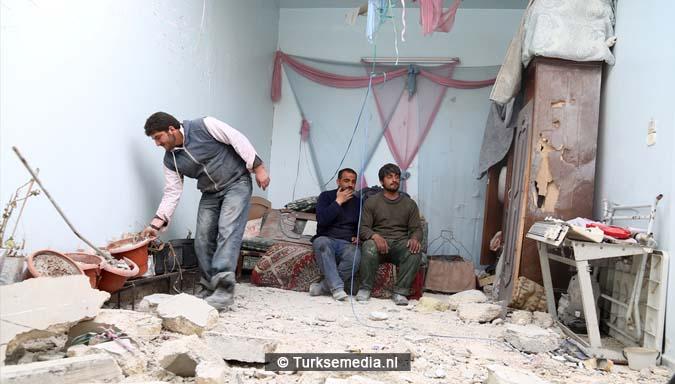 Syriërs danken Turkije om inname Al-Bab1