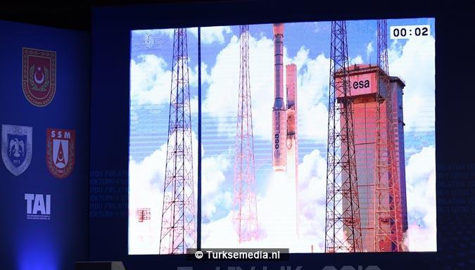 Turkije stap dichter bij eigen ruimtevaartorganisatie 'Turkish Space Agency' (2)