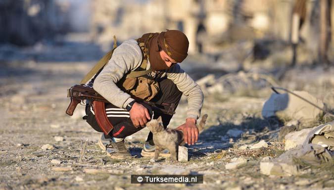 Zo vieren Syriërs de Turkse victorie op Daesh (IS)15