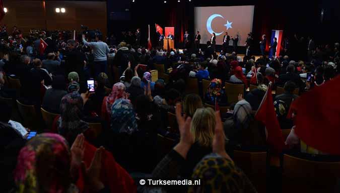 Cavusoglu tegen Nederland Wen maar alvast aan het nieuwe Turkije2