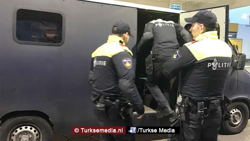 Gegijzelde Turkse consul Minister Kaya tegengehouden in Rotterdam