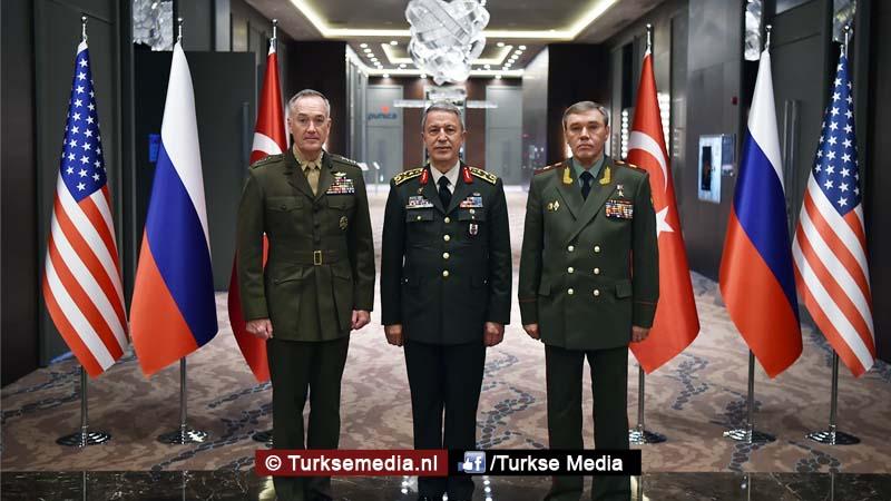 Legerleiders VS en Rusland naar Turkije 'Nieuwe wereldorde'