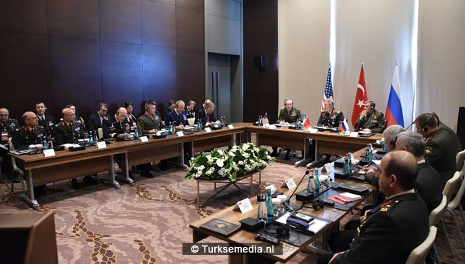 Legerleiders VS en Rusland naar Turkije 'Nieuwe wereldorde'2