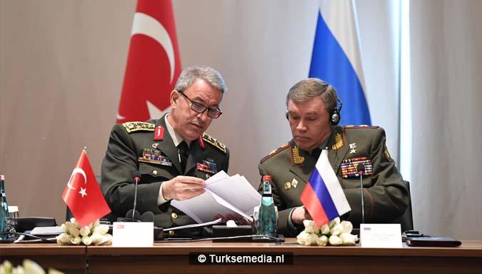 Legerleiders VS en Rusland naar Turkije 'Nieuwe wereldorde'5