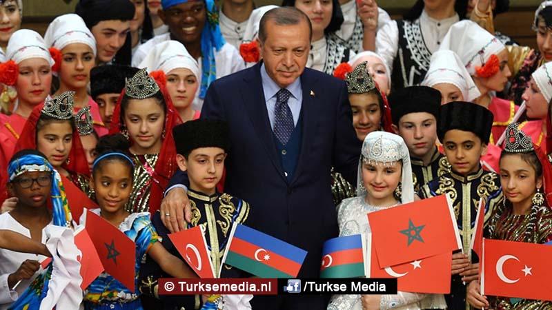 Feest Erdogan verwelkomt kinderen uit de hele wereld (mega-fotogalerij)