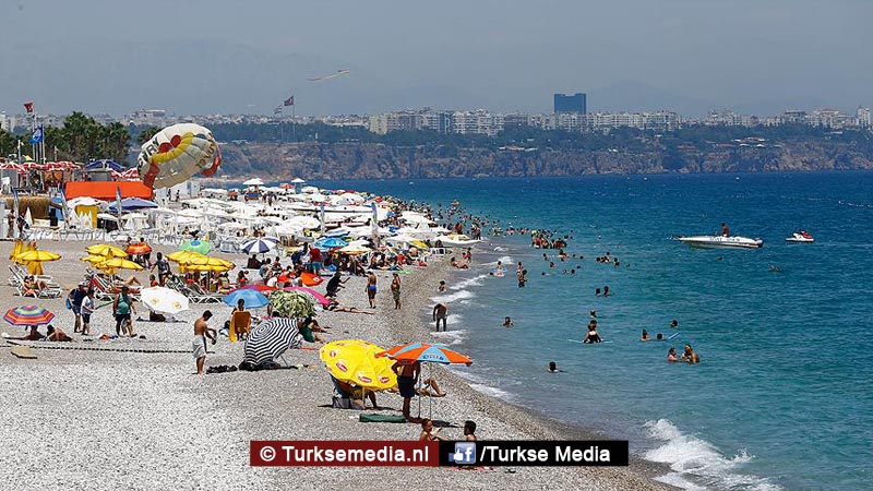 Oekraïners massaal op vakantie naar Turkije