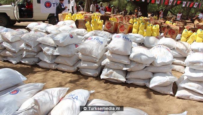 Turkije stuurt noodhulp naar hongerlijdende Noord-Kenia3