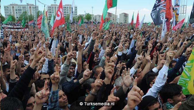 Turkse Koerden massaal bijeen voor herdenking profeet (exclusieve fotogalerij)17