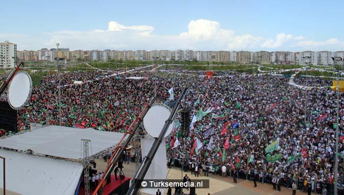 Turkse Koerden massaal bijeen voor herdenking profeet (exclusieve fotogalerij)18