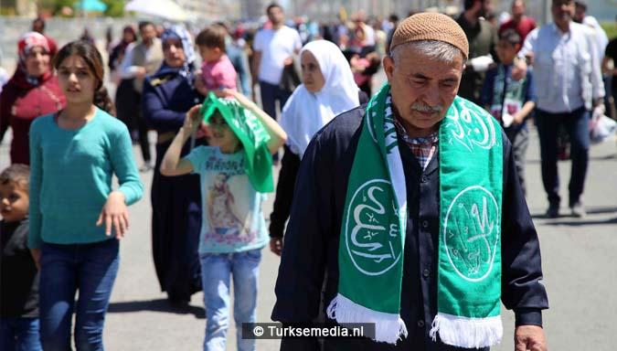 Turkse Koerden massaal bijeen voor herdenking profeet (exclusieve fotogalerij)2