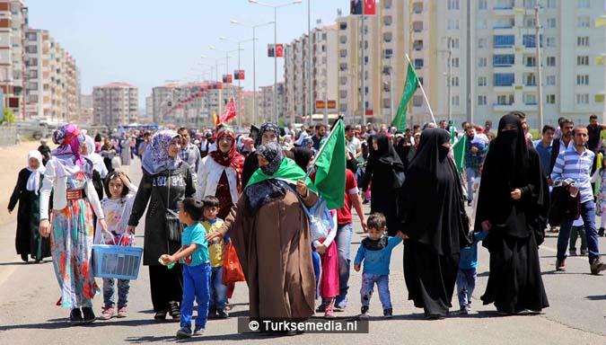 Turkse Koerden massaal bijeen voor herdenking profeet (exclusieve fotogalerij)3