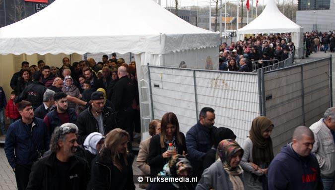Turkse Nederlanders massaal naar de stembus3