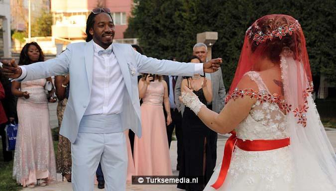 Bekeerde Nederlander naar Turkije voor Turkse bruiloft (VIDEO)3