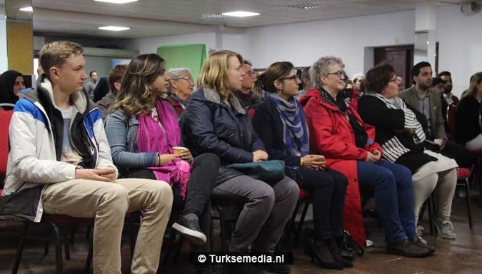 Open dag moskee brengt Nederlanders bijeen2