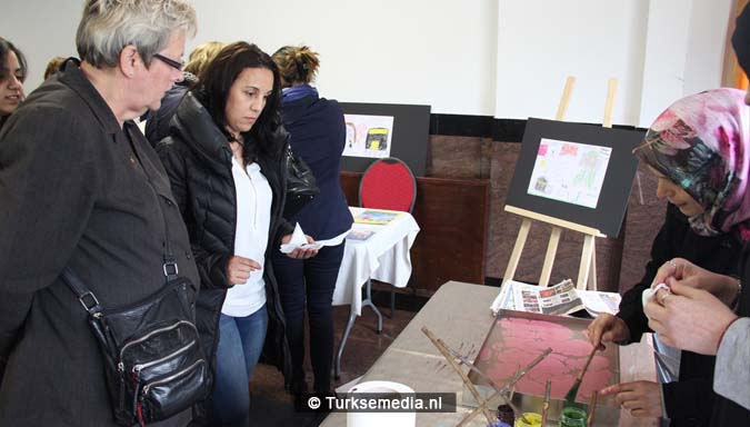 Open dag moskee brengt Nederlanders bijeen5