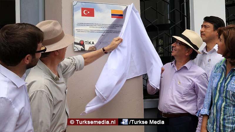 President Colombia opent door Turkije gebouwde school'Bedankt Erdogan'