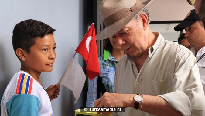 President Colombia opent door Turkije gebouwde school'Bedankt Erdogan'3