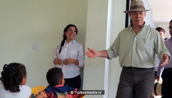 President Colombia opent door Turkije gebouwde school'Bedankt Erdogan'4
