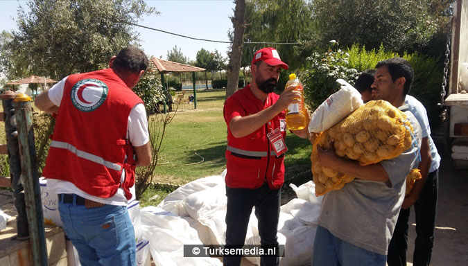 Turken arriveren in Mosul Ramadanhulp aan Irakezen (foto's)3