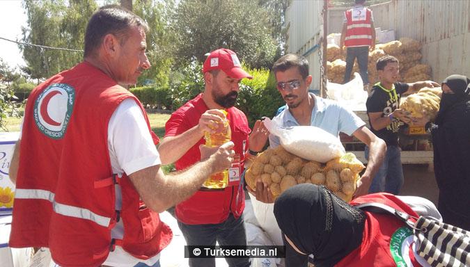 Turken arriveren in Mosul Ramadanhulp aan Irakezen (foto's)4