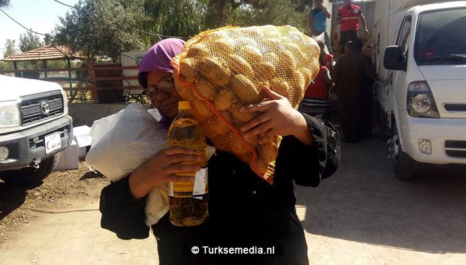Turken arriveren in Mosul Ramadanhulp aan Irakezen (foto's)6