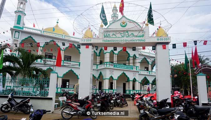 Turken openen grootste moskee van Vietnam 'Geen ander land steunt ons zo'8