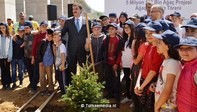 Turken planten 18,9 miljoen bomen in Istanbul; Turkije in top 3 2