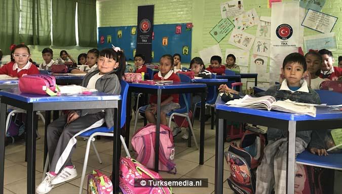 Turkije doneert schoolspullen aan Mexicaanse school4