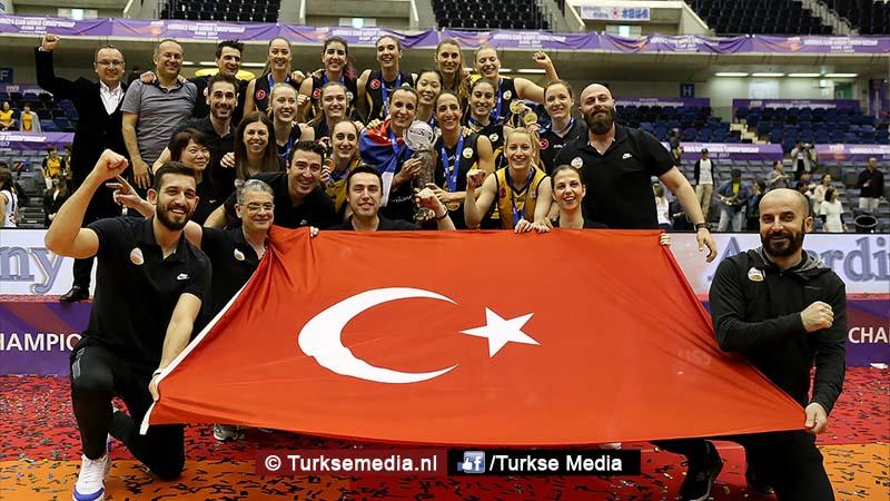 Turkse volleybalclub opnieuw beste van de wereld